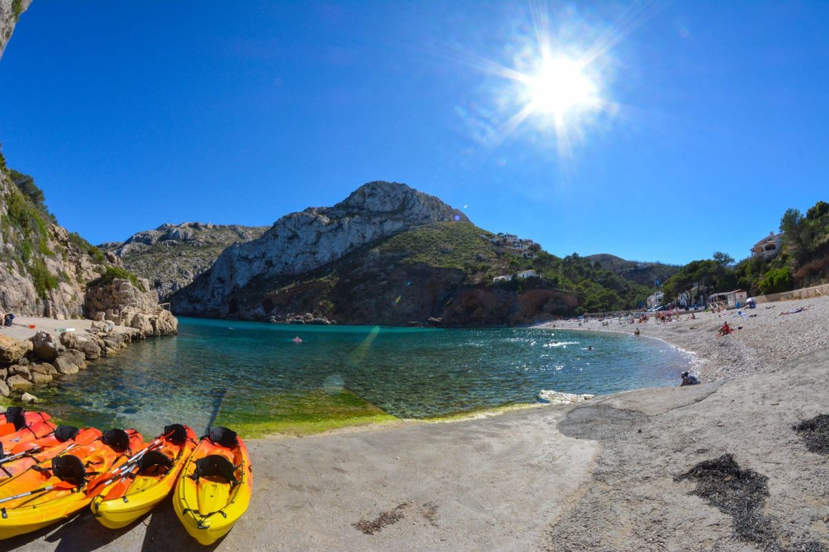 10 reasons to drop whatever you do now and go to Spain